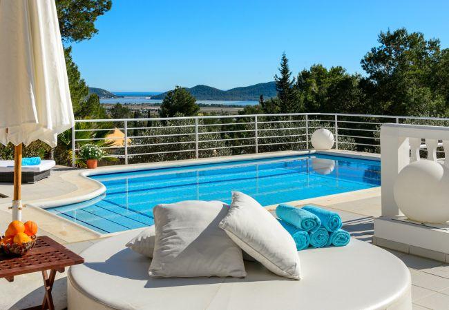 Villa en Ibiza - CAN DAMIA
