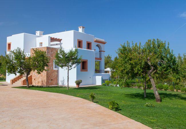 Villa in San Rafael de Sa Creu/ Sant Rafael de Sa Creu - VILLA PHENIX