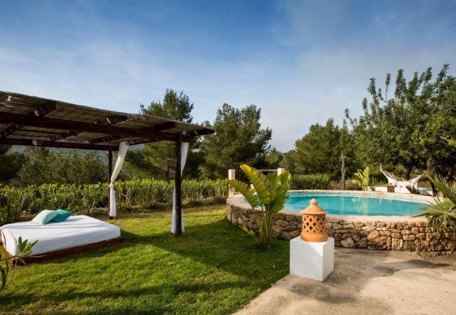 Cottage in Sant Josep de Sa Talaia - VILLA BONITA